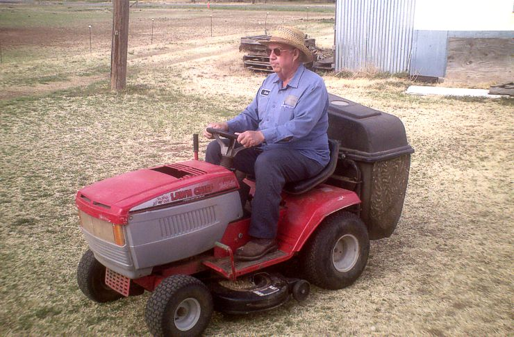 Nolen Kell, Master Mower, Quitaque, Texas • Call me at 806-455-1132 seven days a week